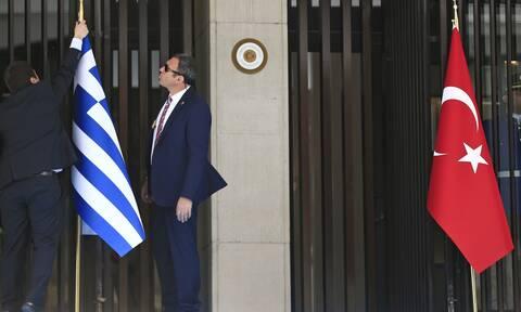 Άρθρο-κόλαφος από Τούρκο καθηγητή: Τα νησιά ανήκουν στην Ελλάδα – Η Τουρκία είναι επεκτατική