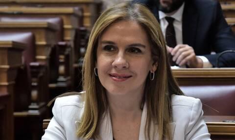 Κορονοϊός: Η υφυπουργός Υγείας Ζωή Ράπτη στη σημερινή ενημέρωση – Ποια μέτρα ανακοινώνει