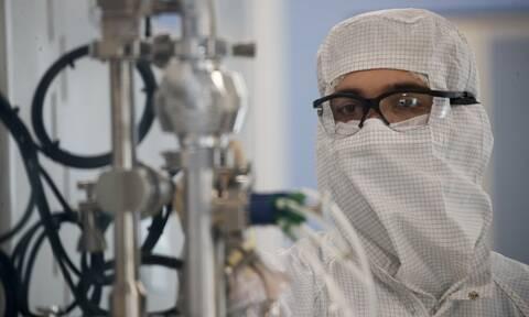 Κορονοϊός - Παγκόσμιος συναγερμός: Διακόπηκαν οι δοκιμές του εμβολίου της AstraZeneca