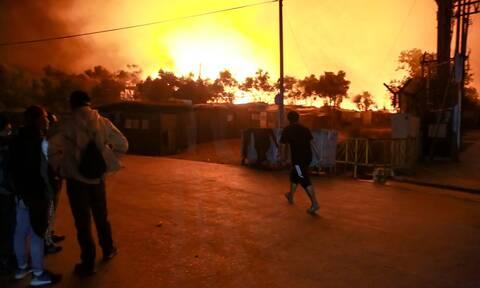 Φωτιά στην Μόρια: Φόβοι για νεκρούς από την καταστροφή στο ΚΥΤ