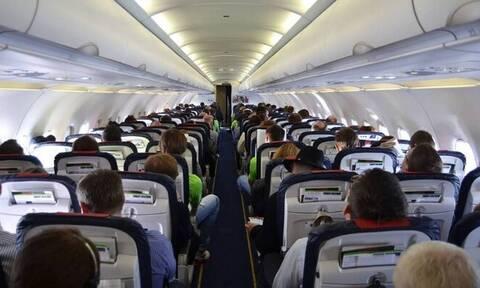 Κως: Γιατί έγινε αναγκαστική προσγείωση αεροπλάνου - Τα... σοκολατάκια και η μάσκα