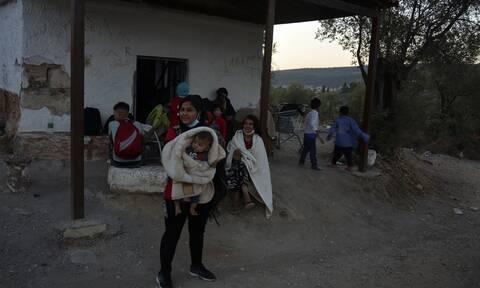 Ε.Ε: Αμεση μεταφορά 400 ασυνόδευτων παιδιών από τη Μόρια
