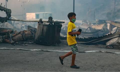 Φωτιά στη Μόρια: Συγκλονίζουν οι εικόνες από την καταστροφή - Στάχτη παντού