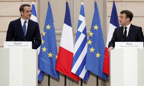 Μητσοτάκης - Μακρόν «κλείνουν» την αμυντική συμφωνία στην Κορσική