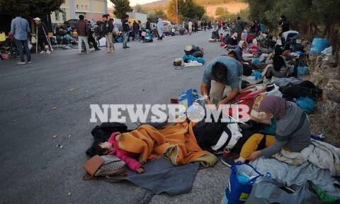 Μόρια – Υγειονομική «βόμβα» η περιοχή: Τι φοβούνται οι κάτοικοι, στους δρόμους οι μετανάστες