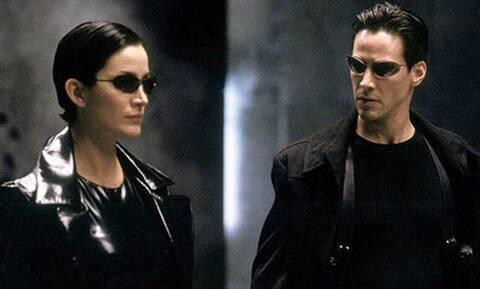 Matrix: Γιατί όλοι φοράνε γυαλιά ηλίου ακόμα και τη νύχτα;