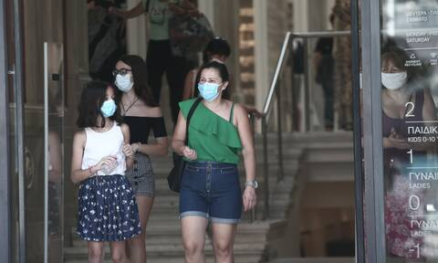 Κορονοϊός: Στο «τραπέζι» η χρήση μάσκας παντού - Σήμερα οι αποφάσεις
