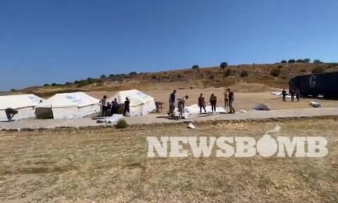 Το Newsbomb.gr στον νέο καταυλισμό στην Μυτιλήνη - Μεταφέρουν σκηνές με ελικόπτερα