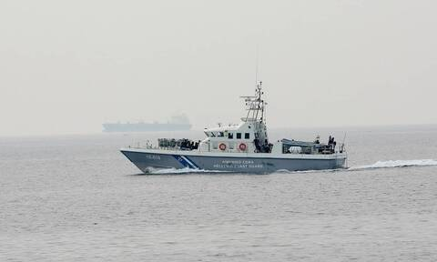 Φωτιά σε τουριστικό πλοίο στον Πόρο: Δύο εγκαυματίες (pic)