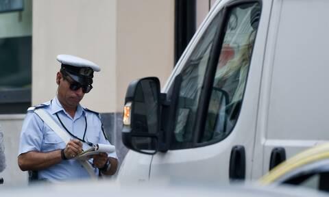 Ιωάννινα: Αστυνομικός έκοψε κλήση σε... γερμανικό περιπολικό (pics)