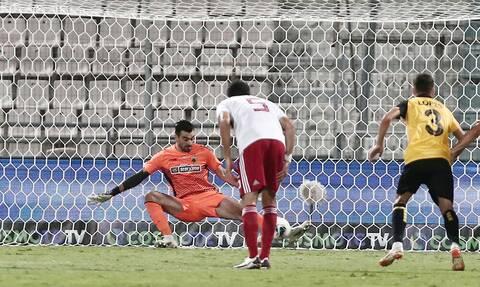 Έπιασε πέναλτι και «κράτησε» ζωντανή την ΑΕΚ ο Τσιντώτας στον τελικό!