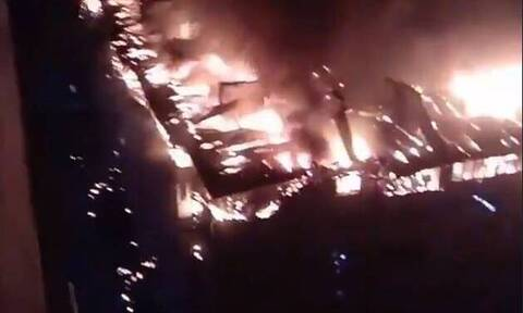 Ρωσία: Μεγάλη φωτιά σε συγκρότημα διαμερισμάτων