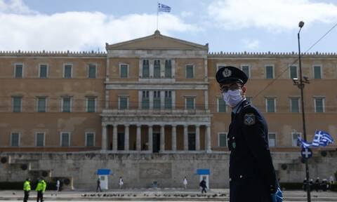 Ένταση στο Σύνταγμα: Επεισόδια μεταξύ αρνητών της μάσκας και Αστυνομίας