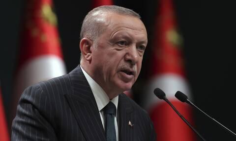 Ερντογάν: Χτίζει παλάτια και «κολυμπάει» στο χρυσάφι ενώ ο λαός υποφέρει από πείνα και εξαθλίωση