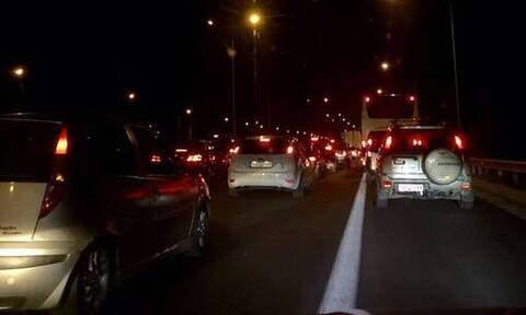 ΤΩΡΑ: Σοβαρό τροχαίο στην Αθηνών - Λαμίας - Ουρές χιλιομέτρων