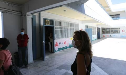 Κορονοϊός: Σε καραντίνα δασκάλα στο Ηράκλειο – Βρέθηκε θετική στον ιό