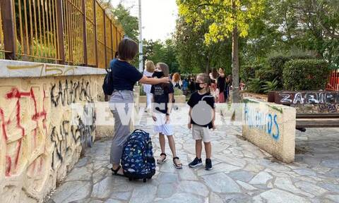 New school year begins on Monday with special measures for Covid-19