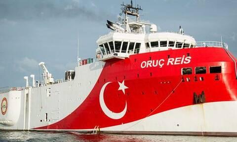 В Турции заявили, что Греция продолжает милитаризацию островов в Средиземном море