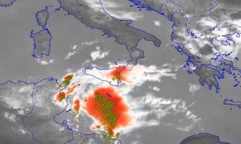 Μεσογειακός κυκλώνας: Θα «χτυπήσει» την Ελλάδα; Όλη η αλήθεια για τις επόμενες μέρες