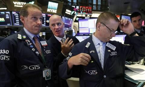 Κέρδη στη Wall Street - Νέες απώλειες για το πετρέλαιο