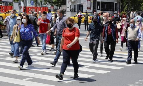 Κορονοϊός: Ανησυχία στην Τουρκία μετά τα 1.716 νέα  κρούσματα τις τελευταίες 24 ώρες