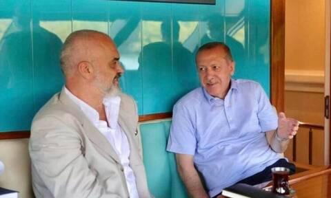 Η συνάντηση Ράμα – Ερντογάν και η επίσκεψη του Αλβανού πρωθυπουργού στην Αθήνα