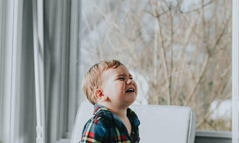 Γιατί τα παιδιά συμπεριφέρονται 800% χειρότερα όταν είναι η μαμά μαζί τους