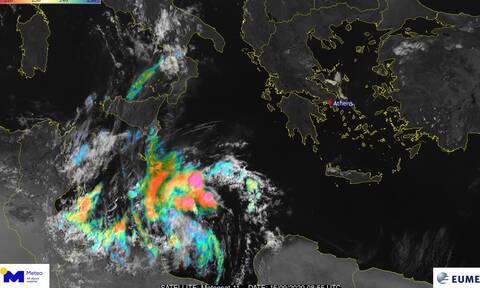 Μεσογειακός κυκλώνας: Τα τελευταία νέα για την πορεία του - «Χτυπά» και την Ελλάδα;