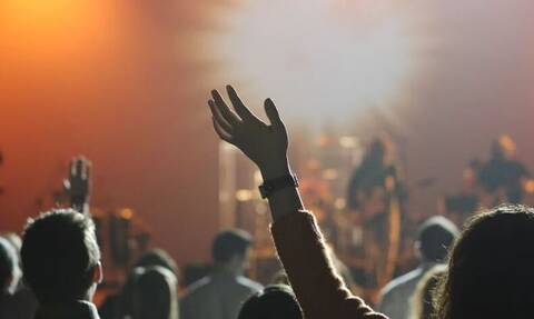 Κορονοϊός - Νέα μέτρα στην Αττική: Πώς θα λειτουργήσουν συναυλιακοί χώροι, θέατρα και σινεμά