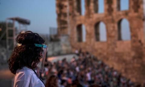 Κορονοϊός: «Λυγίζει» η Αττική! Μάσκες παντού - Λιγότεροι σε θέατρα, σινεμά, συναυλίες και λαϊκές