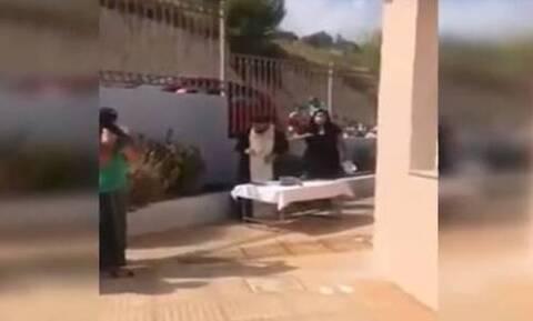 Koρονοϊός - Ρέθυμνο: Συνελήφθη ο ιερέας που έκανε κήρυγμα κατά της μάσκας