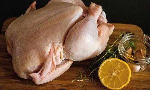 Μήπως αγοράζεις και εσύ το κοτόπουλο με εντελώς λάθος τρόπο;