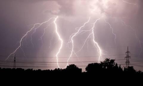 Κακοκαιρία «Ιανός»: Ποιες περιοχές θα «σαρώσει» με καταιγίδες και θυελλώδεις ανέμους - Έκτακτα μέτρα