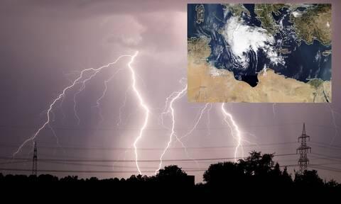 Κακοκαιρία «Ιανός»: Πλησιάζει ο μεσογειακός κυκλώνας - Πότε αρχίζουν οι καταιγίδες