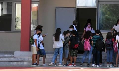 Kορονοϊός - Συναγερμός σε σχολείο στο Κερατσίνι: Θετικός βρέθηκε μαθητής