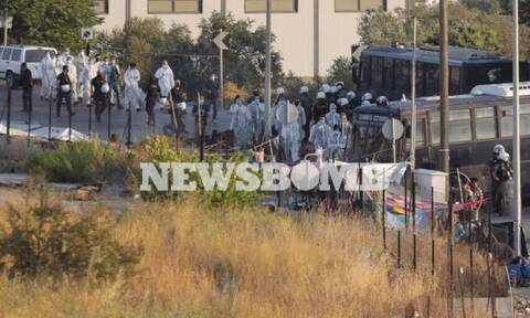 Μυτιλήνη: Μεταφέρουν μετανάστες στον καταυλισμό του Καρά Τεπέ - Μεγάλη επιχείρηση της ΕΛ.ΑΣ.