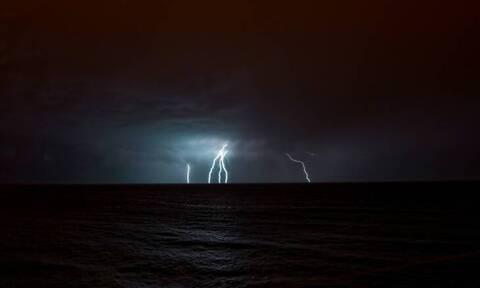 Κακοκαιρία «Ιανός»: Λεπτό προς λεπτό η πορεία του κυκλώνα - Στείλτε φωτογραφίες εδώ