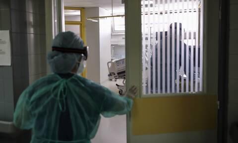 Κορονοϊός: Κατέληξε 86χρονος στο Μποδοσάκειο - Στους 323 οι νεκροί