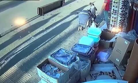 Βίντεο-σοκ: Αυτοκίνητο έπεσε σε κατάστημα (σκληρές εικόνες)