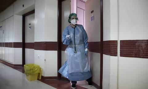 Κορονοϊός: Τέταρτος νεκρός μέσα σε λίγες ώρες -  324 τα θύματα της πανδημίας στην Ελλάδα