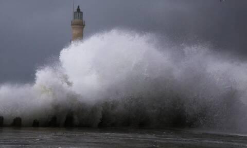 Κυκλώνας «Ιανός»: Στη δίνη της κακοκαιρίας το Ιόνιο - Δείτε LIVE την πορεία του φαινομένου