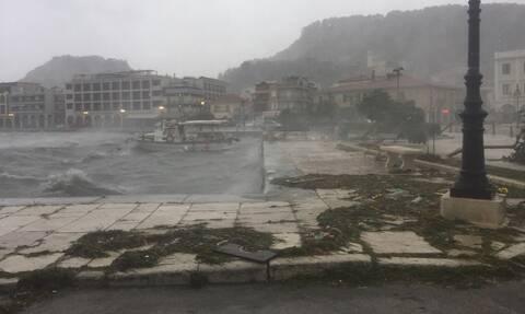 Ο «Ιανός» σφυροκοπά το Ιόνιο: Ζάκυνθος, Κεφαλονιά και Ιθάκη στη δίνη του κυκλώνα (pics&vids)