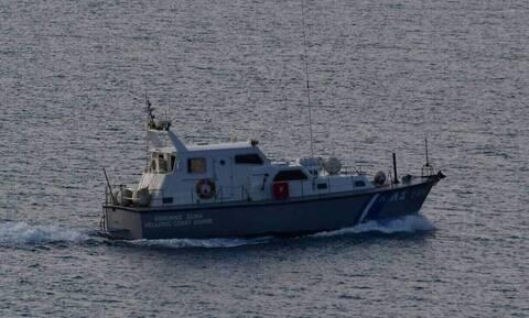Θρίλερ στον Κυπαρισσιακό Κόλπο - Ακυβέρνητο σκάφος με 55 μετανάστες