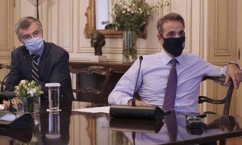 PM Mitsotakis and Dr.Tsiodras sound alarm over rise in coronavirus cases, especially in Attica