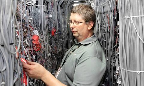 Μάθαμε ποια είναι η βάση του ίντερνετ! Δεν θα φαντάζεσαι πού