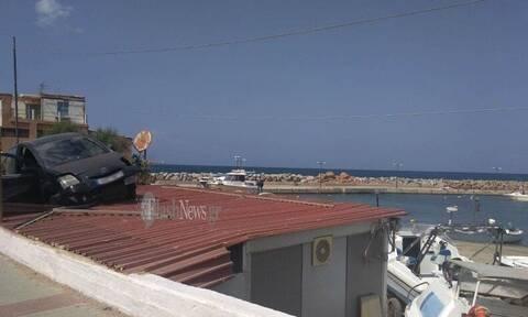 Κρήτη: Αυτοκίνητο προσγειώθηκε σε… στέγη - Απίστευτες εικόνες (pics)