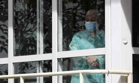Κορονοϊός: Κατέληξε 80χρονος στο νοσοκομείο ΕΛΠΙΣ - Στους 328 οι νεκροί