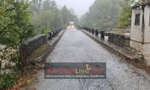 Κακοκαιρία Ιανός - Καρδίτσα: Κατέρρευσε η γέφυρα «Μπαλάνου» στο Μουζάκι