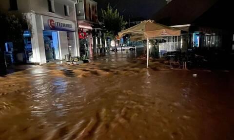 Κακοκαιρία: Νύχτα θρίλερ στην Καρδίτσα - Πλημμύρισε η πόλη