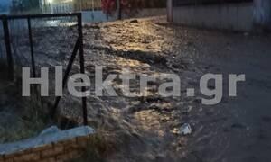 Κακοκαιρία Ιανός: Πλημμύρισαν τα Λουτρά Ωραίας Ελένης στην Κορινθία